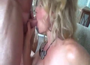 Daddy sucked out by his awesome daughter