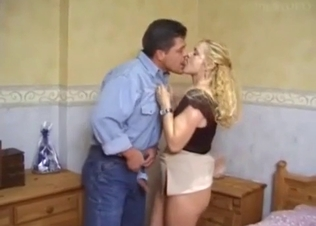 Blonde hottie enjoys dick riding