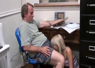 Blonde daughter knows how to please her dad