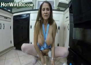 Glamour auntie jumps on her lovely sex toy