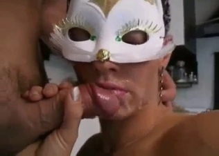 Bitchy hottie gives a very good blowjob