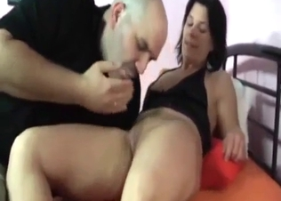 Brunette babe sucks a dick of her relative