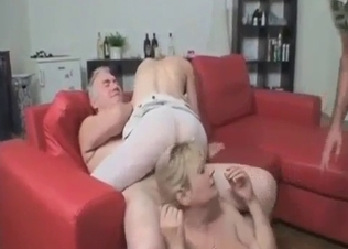 Dirty family sex in threesome mode