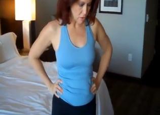 Redhead mom looks so freaking fuckable