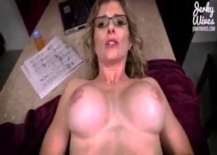 Screwing a glamorous big-tit stepmom